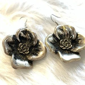 VINTAGE LARGE SILVER FLOWER EARRINGS